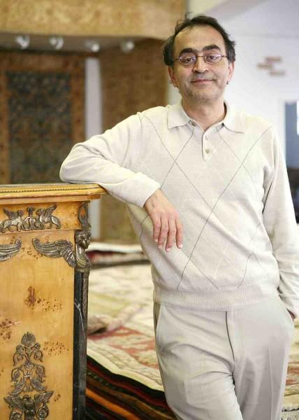 Saeid Maralan in Sirous & Sons Rug Gallery in 2009.