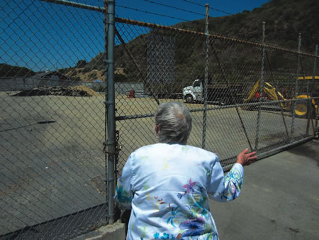 The mostly vacant lot between the Alternative Sleeping Center and the Pacific Marine Mammal Center on Laguna Canyon Road.  Photo by Marilynn Young