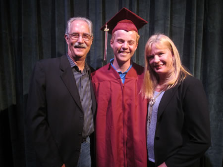 Mark Tiner Memorial Scholarship recipient Timothy Peterson (center). Photo by Marsha Aronoff.