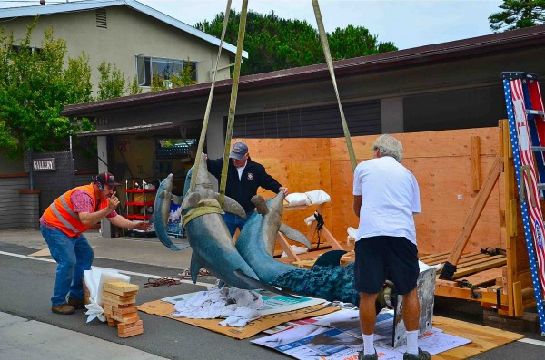 Installation of a sculpture at 484 North Gallery, which initially went awry, returns a familiar profile to Laguna Beach.