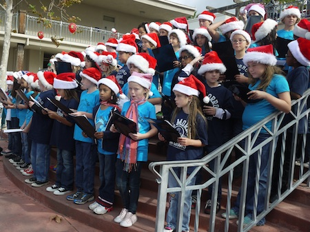 The combined elementary choruses will again entertain boutique patrons.