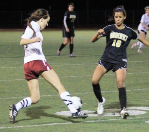 Sophomore Audrey Pillsbury on the move against Godinez in Laguna's 1-0 home loss Jan. 17.