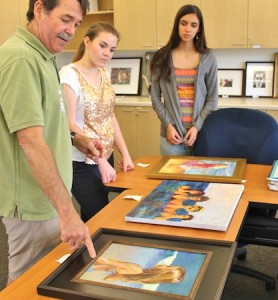 Mentor Pat Sparkhul, left, with students Corinne Penrod and Katie Silva-Grizzle. Photo by Rachel Young