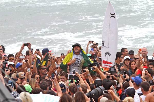 Men's winner Alejo Muniz of Brazil.