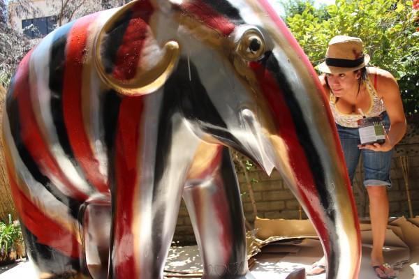 2 elephant SonaMirzaei_paints_Rothkofant_w_DanielBenzali