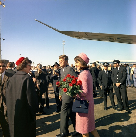 A scene from Dallas captured by Cecil Stoughton, courtesy of the JFK Presidential Library.