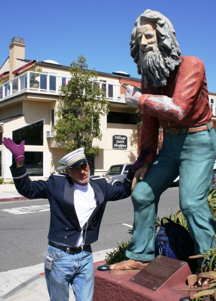 Michaeel Minutoli, the Laguna Beach greeter