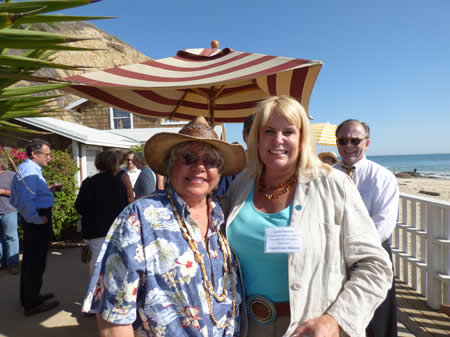Foundation member Rebecca Nelson with the alliance's Laura Davick in Crystal Cove.