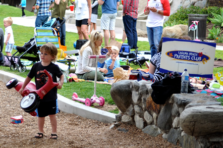 Children are welcome at the Parents Club open house in Bluebird Park.