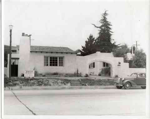 Photo taken in 1938 or 1939. Rentals and apartment for Lee Farman  were at upper rear.