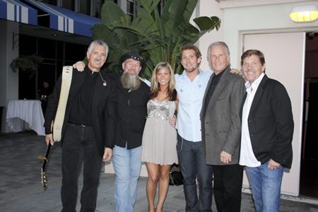 From right, keyboard players Tim Lee, singer songwriter Bill Medley, drummer Gabe Rabben, singer Mckenna Medley, guitarists Bob Gulley and Larry Hampton.