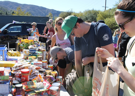Hikers organize a food drive for the Laguna Food Pantry and deliver the goods on foot.
