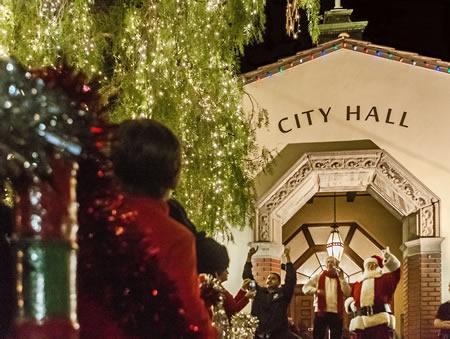 Laguna's downtown glows in holiday raiment.