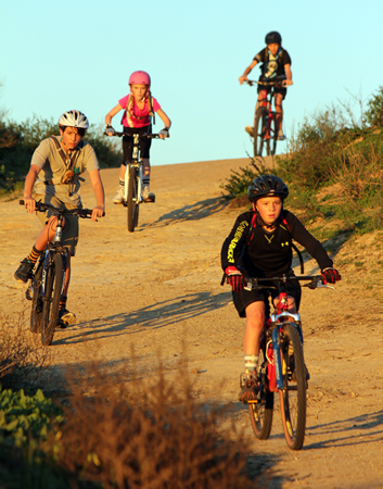 Laguna Beach Local News New Sports Team Takes To The Trails