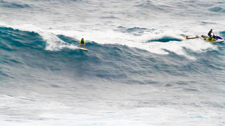 Bill Bryan drops in at Jaws beach on Maui.