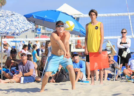 Will Montgomery receives a serve during the Laguna Open. Photos by Robert Campbell