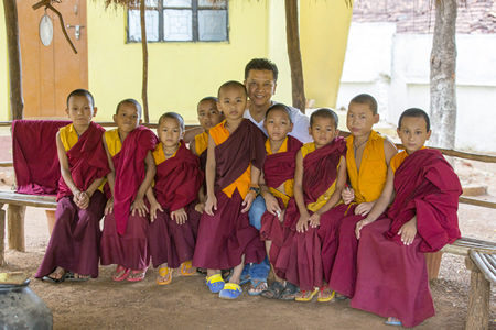 1.4 footsteps LAMB-INDIA2015-VILLAGE-YOUNG MONKS AND TENPA