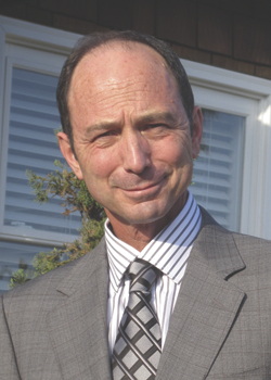 Lawyer Lester Savit
