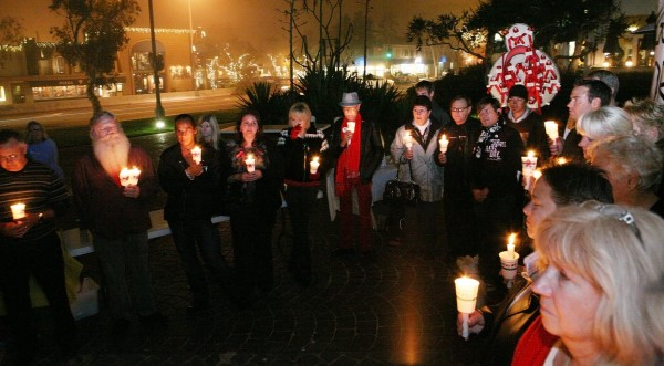 A candlelight vigil for World Aids Day takes place Tuesday, Dec. 1, at 4:30 p.m. on the cobblestones at Main Beach.