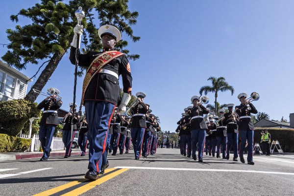 3 parade ridder_johnte_hall_drum_major_third_marine_aircraft_wing_band_3-7-15_0045