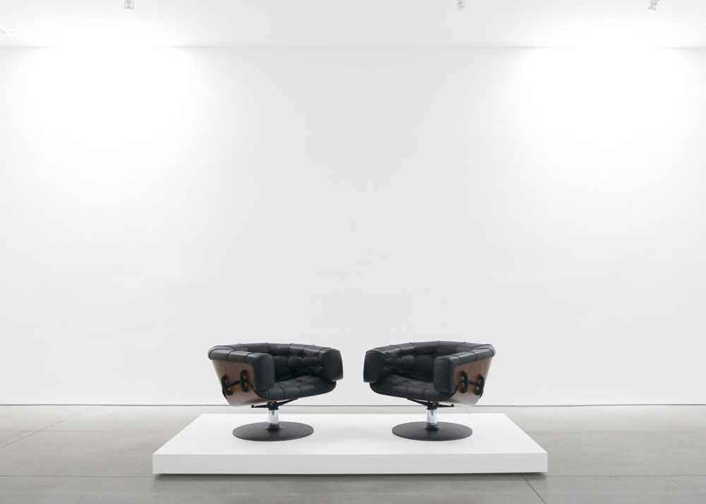 Peter Blake Gallery Exhibits Martin Grierson S 1962 London Chairs An Exhibit Of Mid Century