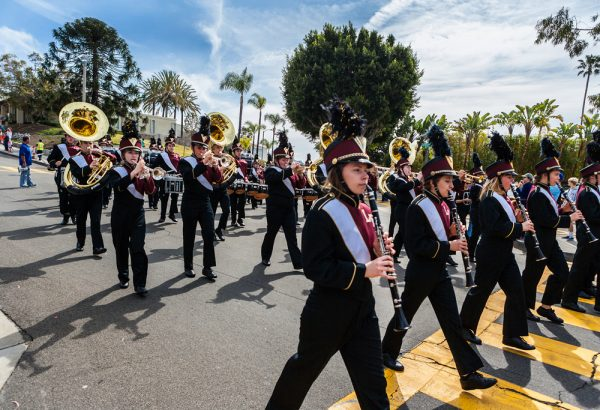 The Laguna Beach High School band steps out sharply. Photo by Charles Michael Murray.