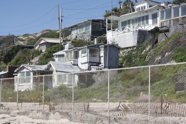 : Renovation of the final 17 cottages in the Crystal Cove State Park historic district received approval of coastal authorities.