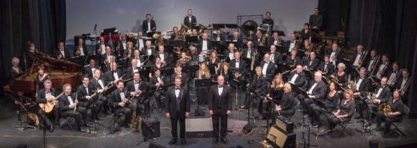 Laguna's concert band performs patriotic songs in a free concert.