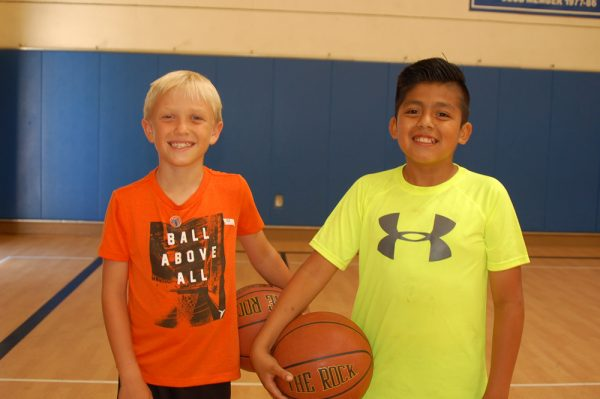 Carlton Helfer and Walker Mondragon ready for hoops play.