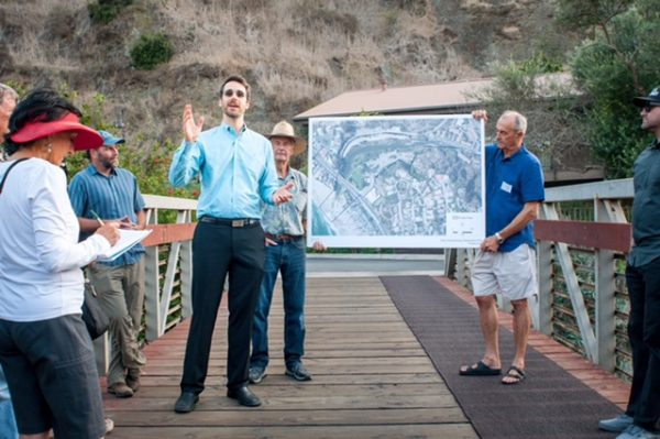 Consultant Nick Garrity explains a proposal to restore the historic estuary at Aliso Creek. Photo by Stephen Smith/Hemingwave.co