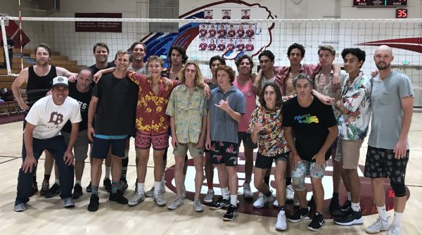 Varsity took a narrow 25-22, 25-22, 25-17 win over the alumni in the 33rd annual contest at Dugger Gym on Wednesday, April 25. Alumni participating included former varsity players Robbie McKnight '11, Andrew Chapel '05, Scottie Chapel '10, Reed Thompson '10, and Beau Bianchi '94. Photo courtesy of Frank Aronoff.