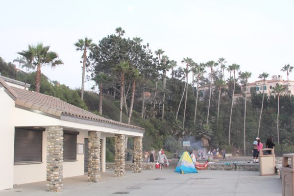 The Lost Pier Café will open shortly at Aliso Beach, offering food and beverage service not seen on the sand for more than two years.