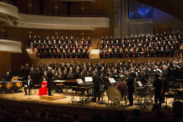 The Pacific Chorale performs Sunday.